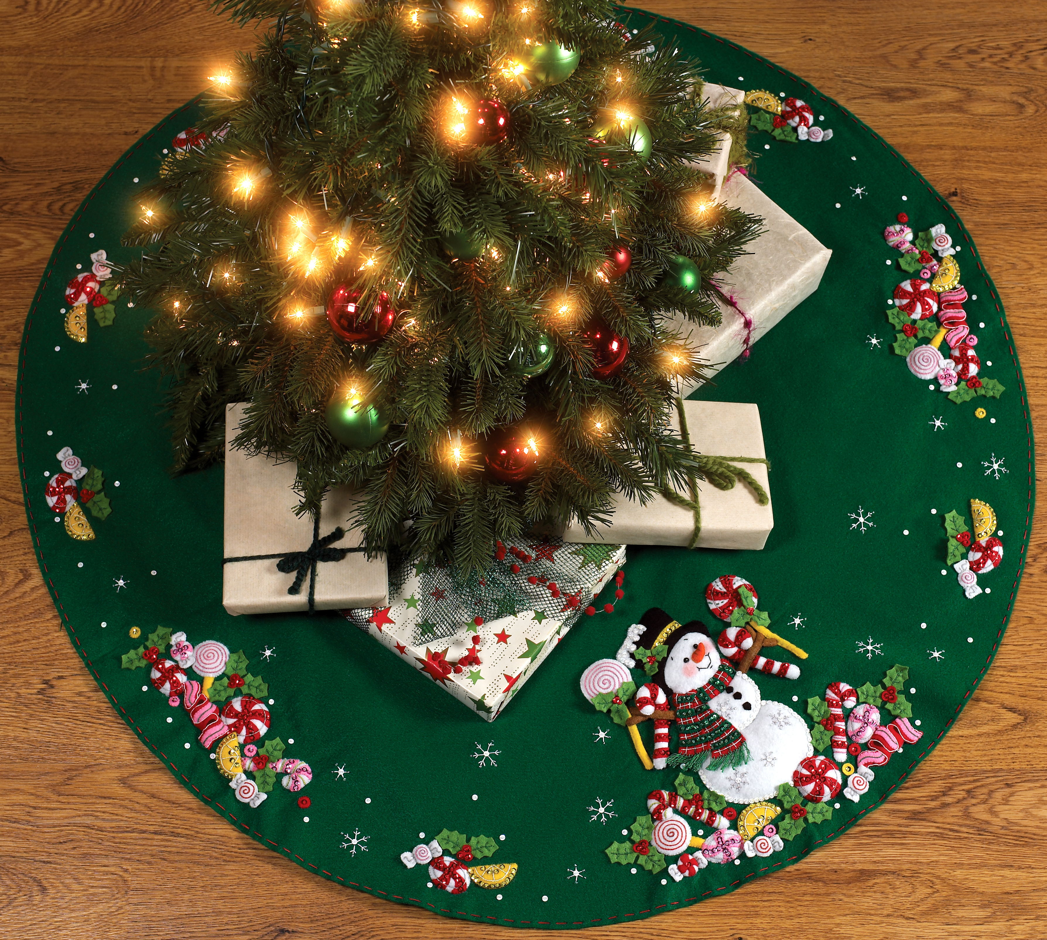 86307 Bucilla Candy Snowman Tree Skirt Kit
