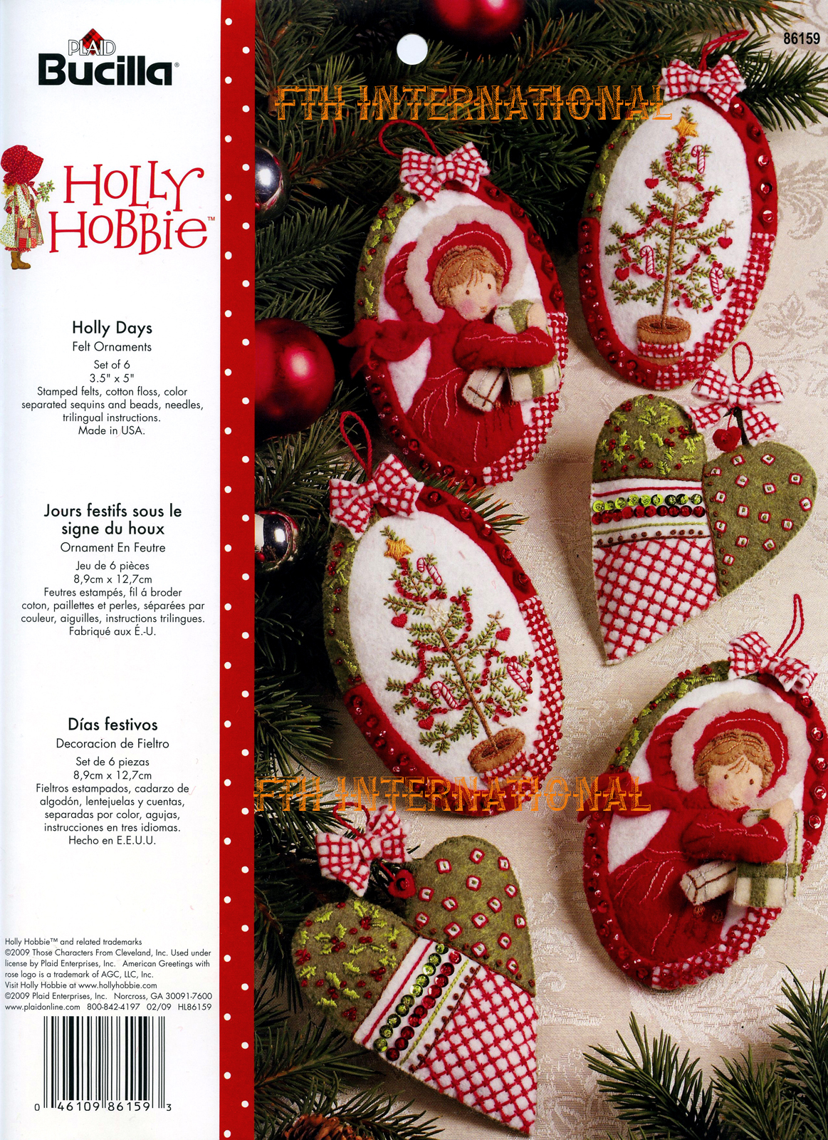 Holly christmas ornaments - Bucilla Holly Days Felt Christmas Ornament
