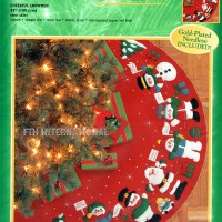 84275FCWMR1 Cheerful Snowmen Tree Skirt Front