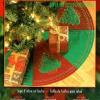 84432FCWMR1 Festive Tree Skirt Front