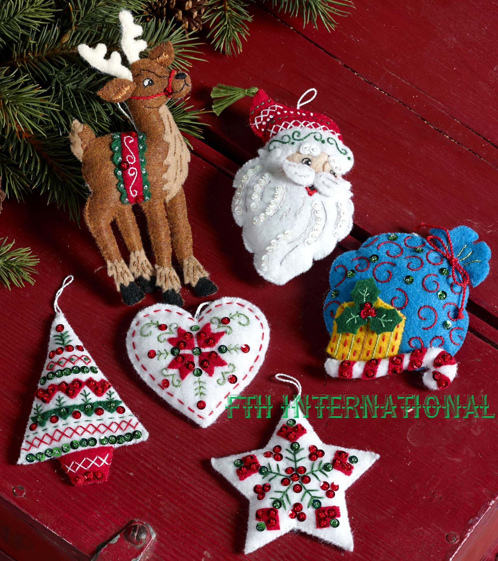 bucilla felt christmas ornament kit 86666 - Christmas Decoration Kits