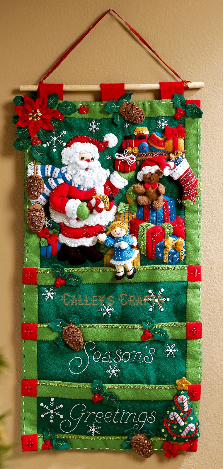 Bucilla Santas Greeting Card Holder Christmas Felt Wall Hanging